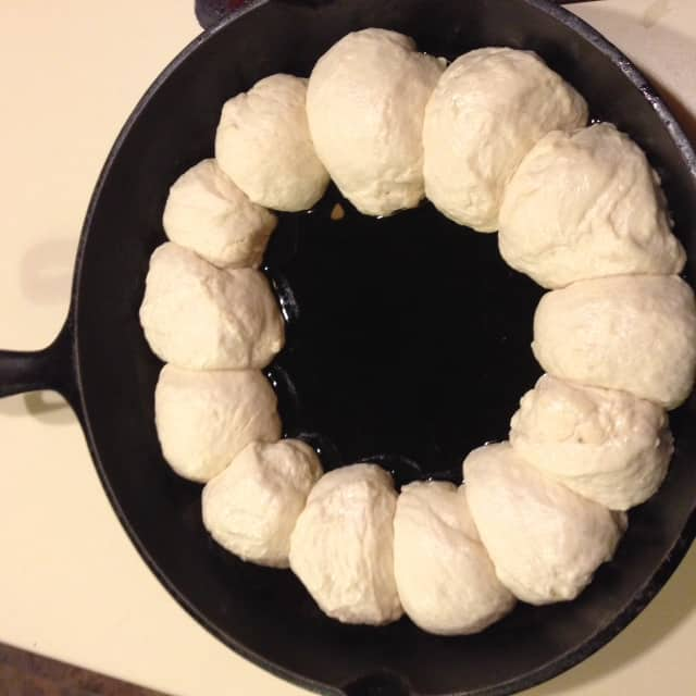 Snowballs for snowman skillet party dip