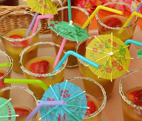 DIY drink umbrella summer crafts for adults