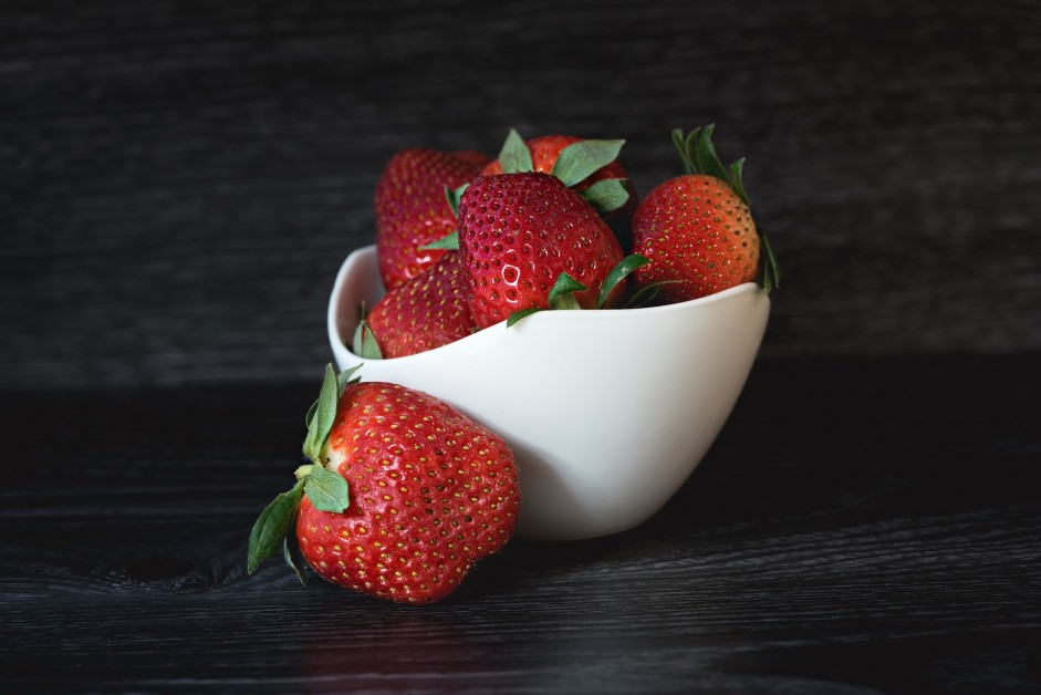 strawberries-1365434_1920